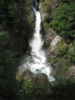 Cascata torrente Artogna