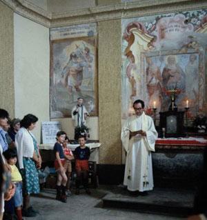 La cerimonia reliogiosa all'oratorio di San Bernardo. !979