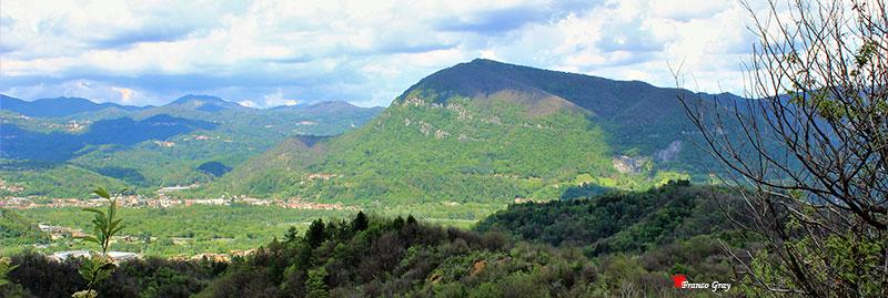 Monte Fenera visto dalle colline (Foto: Franco Gray)